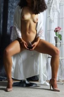 Housseinatou, horny girls in Italy - 11900